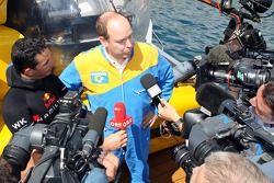 Opération Poséidon: le pilote libre Pierre Frolla et le Prince Albert de Monaco donnent une interview