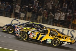 Matt Kenseth battles Greg Biffle