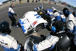 Pitstop for #16 Dyson Racing Team Lola B06/10 AER: James Weaver, Butch Leitzinger