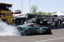 #007 Aston Martin Racing Aston Martin DB9: Tomas Enge, Darren Turner leaves the pits