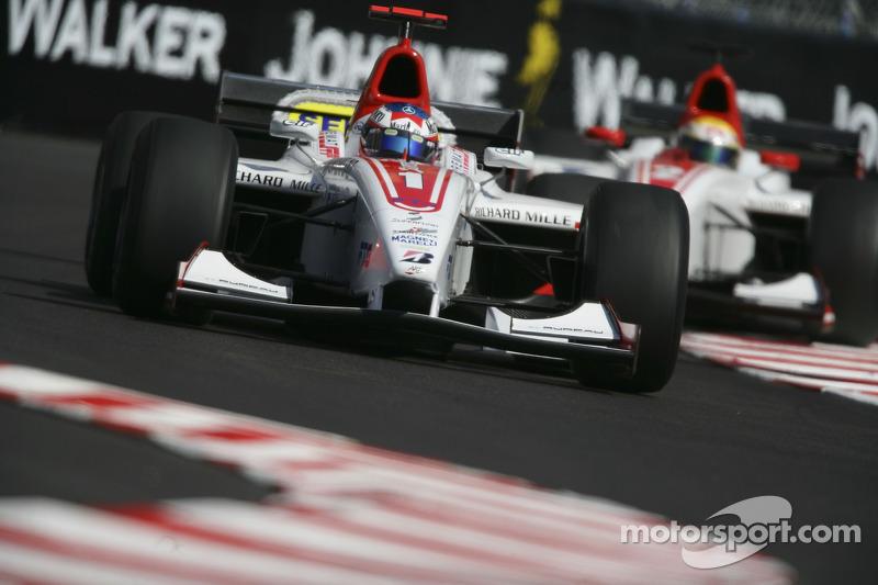 Alexandre Premat et Lewis Hamilton