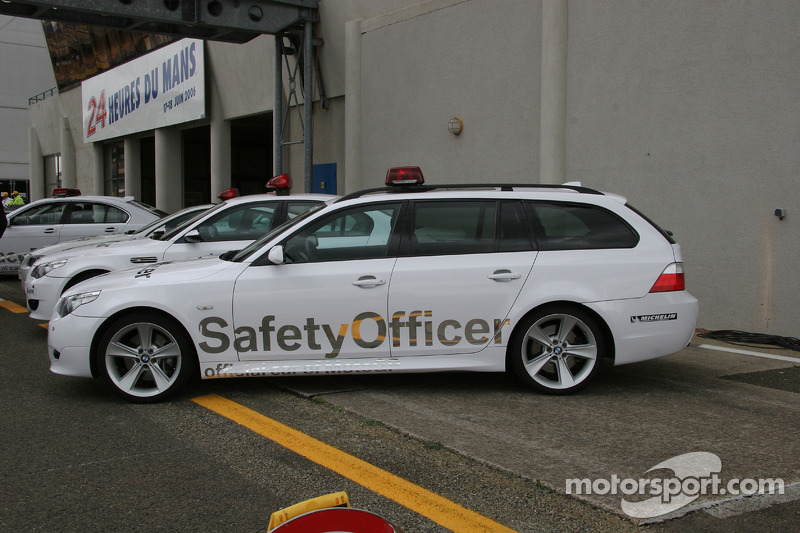 BMW M5 Touring Safety Officer