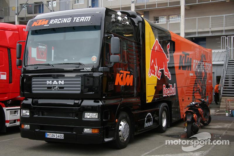 Le camion du Team KTM