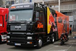 Грузовик команды KTM