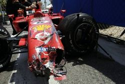 Felipe Massa accidenté dans le mur