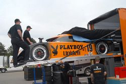 Playboy/ Uniden Racing charge la #19 Ford Crawford