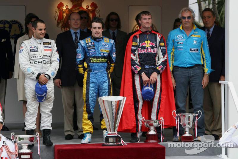 Podyum: Yarış galibi Fernando Alonso, 2. Juan Pablo Montoya, 3. David Coulthard