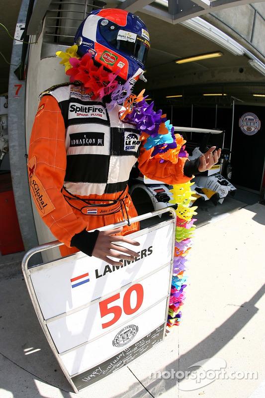 L'équipe Racing for Holland fête le e annoiversaire de Jan Lammers