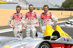 Séance photos de Audi Sport Team Joest: Allan McNish, Rinaldo Capello et Tom Kristensen