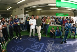 L'équipe Pescarolo Sport regarde la fin de la session