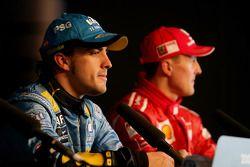 Фернандо Алонсо, Renault, и Михаэль Шумахер, Ferrari