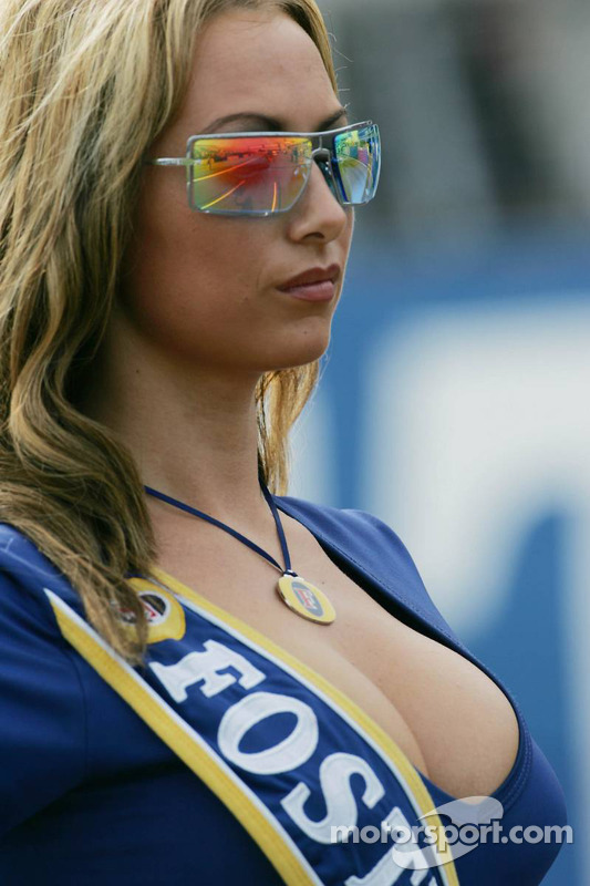 Fosters grid girls at British GP