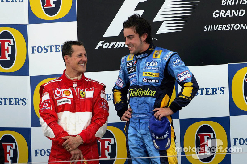 Podyum: Yarış galibi Fernando Alonso ve 2. Michael Schumacher