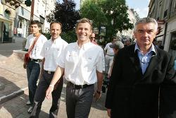 Découverte de la plaque des vainqueurs des 24 Heures du Mans 2005: Marco Werner et Tom Kristensen ma