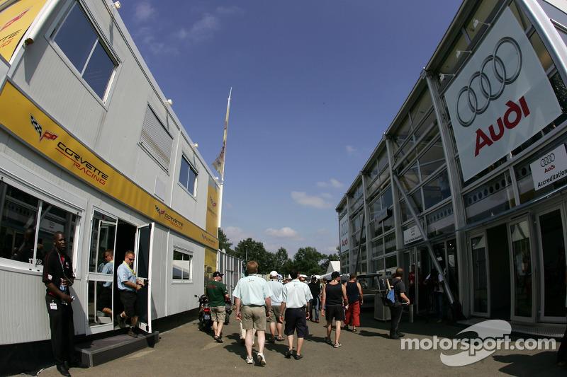 Les zones d'hospitalité de Corvette Racing et Audi Sport