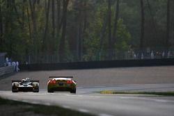 #30 Welter Gérard WR Peugeot: Julien Briché, Frédéric Hauchard, Patrice Roussel, #64 Corvette Racing Corvette C6-R: Oliver Gavin, Olivier Beretta, Jan Magnussen