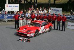 Gabriele Gardel, Jean-Luc Blanchemain, Patrick Bornhauser, et l'équipe Larbre Competition avec la Larbre Competition Ferrari 550 Maranello