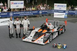 Clint Field, Liz Halliday, and Duncan Dayton pose with the Intersport Racing Lola B05/40 AER
