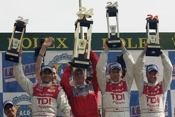 LMP1-Podium: 1. Marco Werner, Frank Biela, Emmanuele Pirro