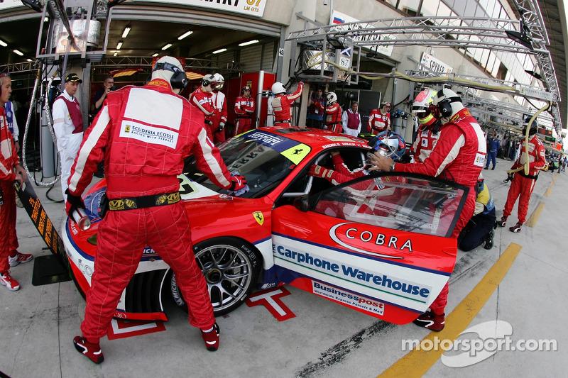 Changement de pilotes pour #87 Scuderia Ecosse Ferrari 430 GT: Andrew Kirkaldy, Chris Niarchos, Tim Mullen