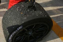 Pitstop for #61 Cirtek Motorsport Ferrari 550 Maranello: Christian Vann, Nigel Smith, Tim Sugden