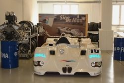 Kazanan: Le Mans 1999 BMW V12 LMR, display