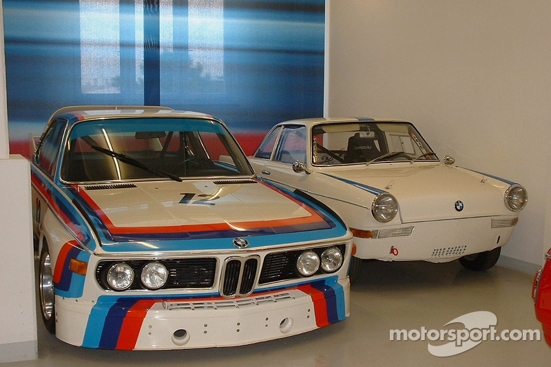 Various BMW touring cars