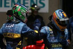 Giancarlo Fisichella segundo puesto Fernando Alonso ganador de la pole position