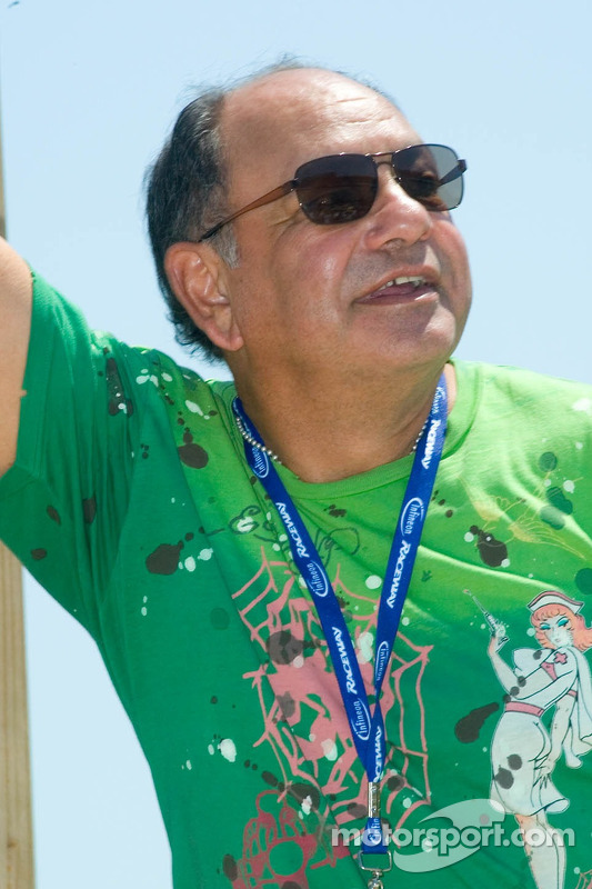 La star Cheech Marin, commissaire de course du Dodge/Save Mart 350