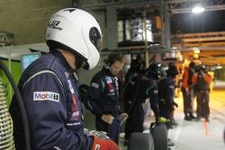 L'équipe Krohn Racing prête pour un arrêt au stop