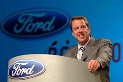 Bill Ford participe à un pep rally d'employé à Ford World Headquarters