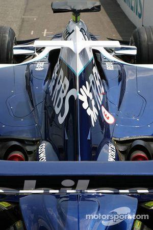 Williams FW28