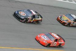 Mike Wallace y Dale Earnhardt Jr.