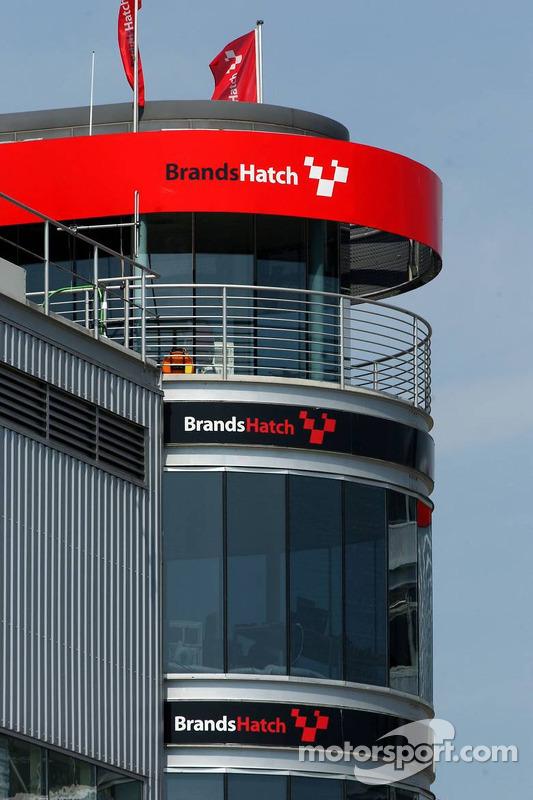 Tour de contrôle du circuit Brets Hatch