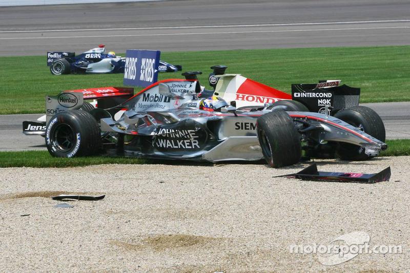 Für Montoya markiert der Crash nicht nur das Ende des Rennens, sondern ...