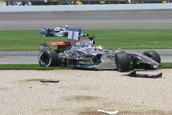 Crash in der ersten Kurve: Juan Pablo Montoya und Mark Webber