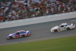 Kevin Harvick et P.J. Jones