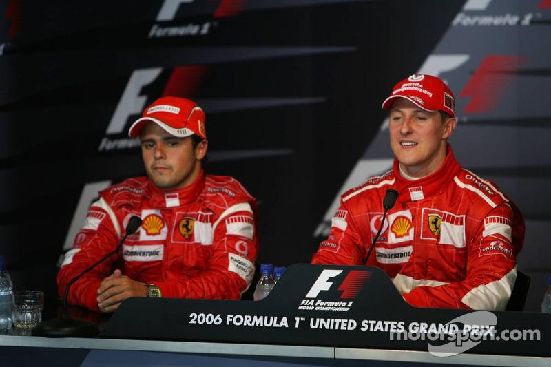 Conférece de presse de la FIA : le vainqueur de la course Michael Schumacher avec Felipe Massa