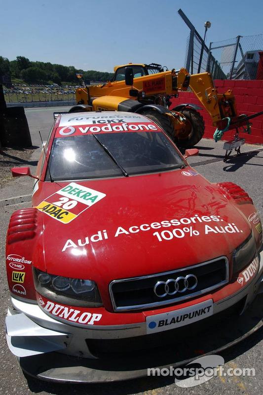 La voiture accidentée de Vanina Ickx