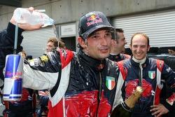 Vitantonio Liuzzi celebrates point finish with his team