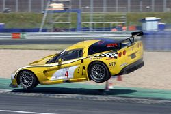 #4 GLPK Racing Corvette C6R: Bert Longin, Anthony Kumpen, Mike Hezemans goes airborne