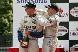 Podium : douche de champagne pour Robbie Pecorari