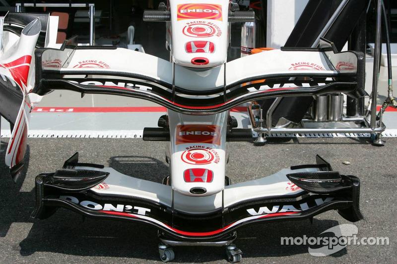 Honda Racing a différents ailerons avant disponibles