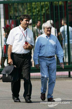 Pasquale Lattuneddu avec Bernie Ecclestone