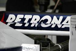 Aileron arrière de la BMW Sauber F1.06, désormais équipé d'un support de connexion