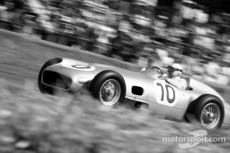 22: Stirling Moss: 8 galibiyet (%50:00)