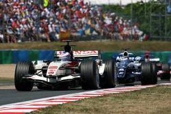 Jenson Button devance Nico Rosberg