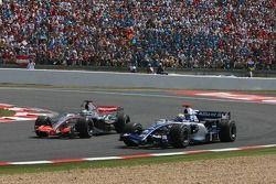 Pedro de la Rosa dépasse Mark Webber