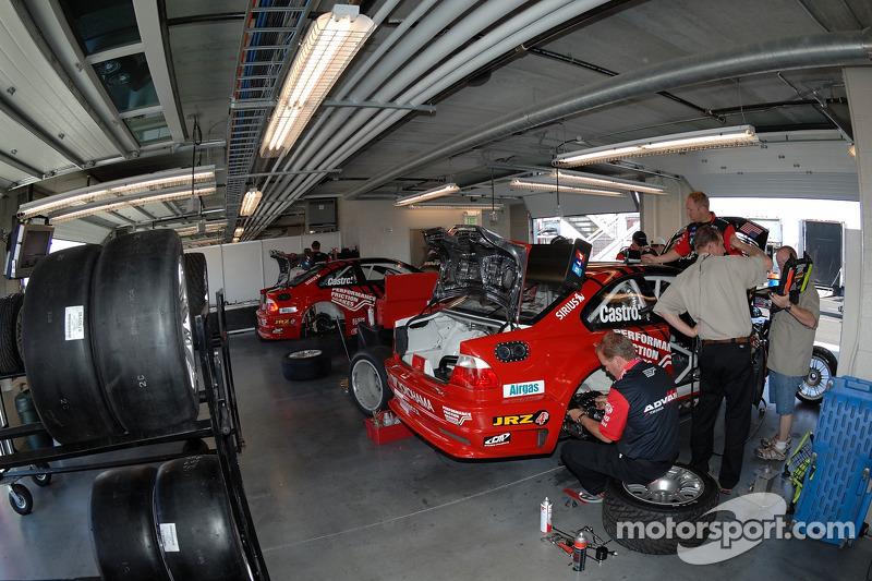 Garage de l'équipe PTG BMW