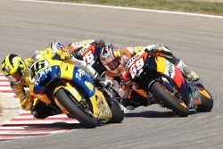 Valentino Rossi, Yamaha; Nicky Hayden, Repsol Honda Team